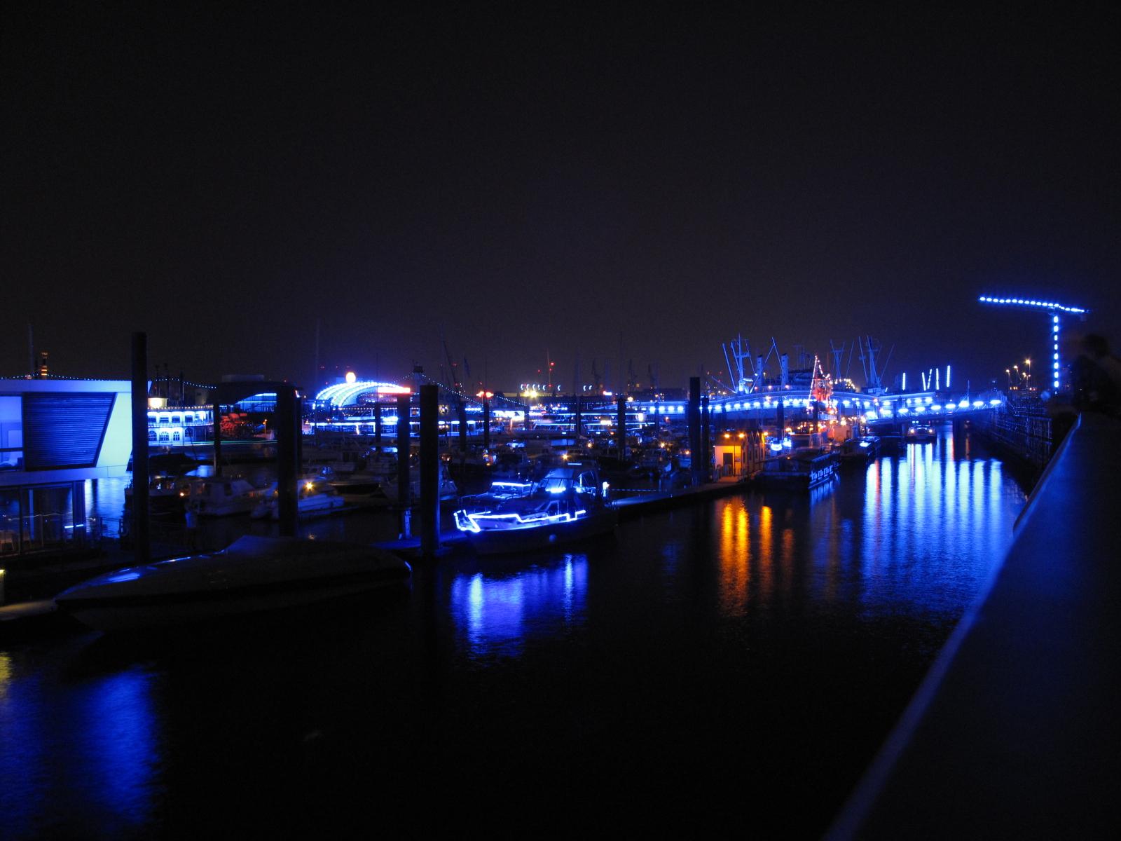 Blue Port Landungsbrücken